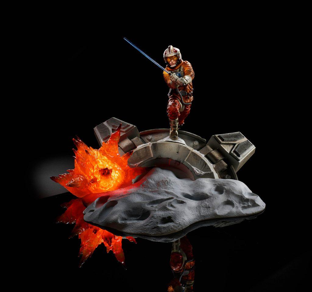 Star Wars The Black Titanium Series Luke Skywalker Action Figure HASBRO